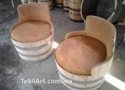 Muebles y macetas hechas de barril de roble