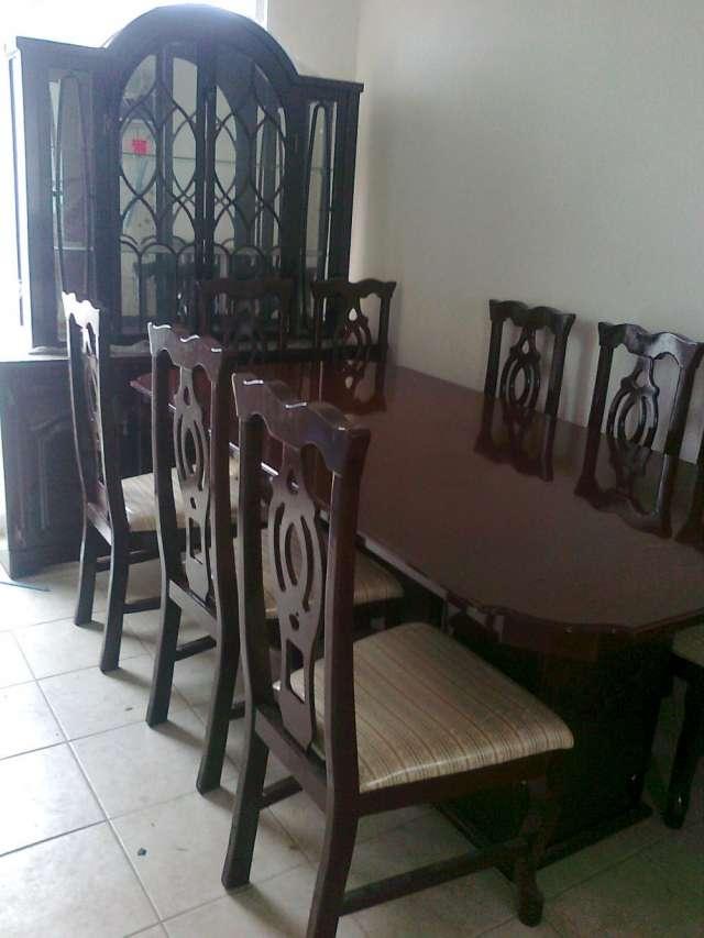 Muebles comedor nuevos 20170829023657 for Comedor 8 sillas madera