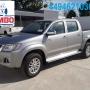 empresa vende 8 Toyota Hilux