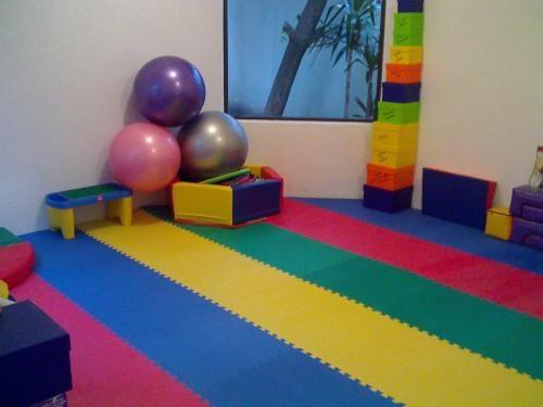 Cursos semi-intensivos para formar instructores en estimulación temprana