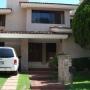 Casa sola en compra, Calle PASEO DEL JARDIN, Col. Atlas Colomos, Zapopan, Jalisco