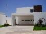 Casa sola en renta, Calle RENTO CASA AMUEBLADA EN  ALTABRISA  $20,, Col. , Mérida, Yucatán