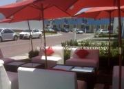 Renta de salas lounge y mesas periqueras para eventos