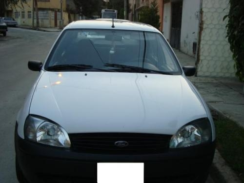 Vendo ford ikon 2004