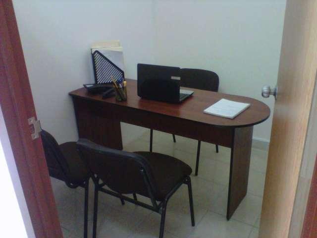 Renta tu oficina amueblada con internet y telefono por horas