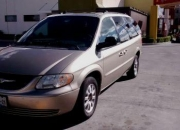 TOWN AND COUNTRY 2002 ACEPTO AUTO