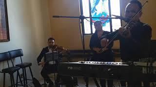 Coro violines soprano tenor y acompañamiento de órgano bodas funerales exequias xv años ve