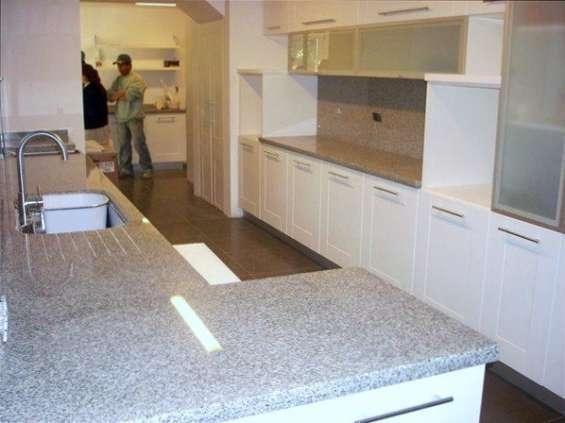 ¡¡preciosa cubierta para tu cocina en granito natural!!