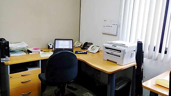Excelente oficina amueblada para ti a un bajo costo te incluimos los servicio!!