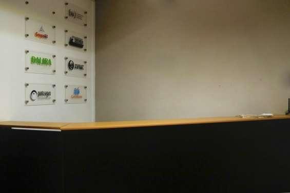 Fotos de Amplia oficina con closet en galerías 3