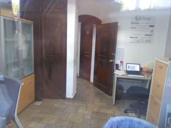 Fotos de Oficina cerca con vista a la cochera principal 4