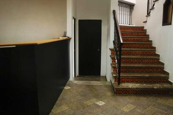 Fotos de Oficina cerca con vista a la cochera principal 2