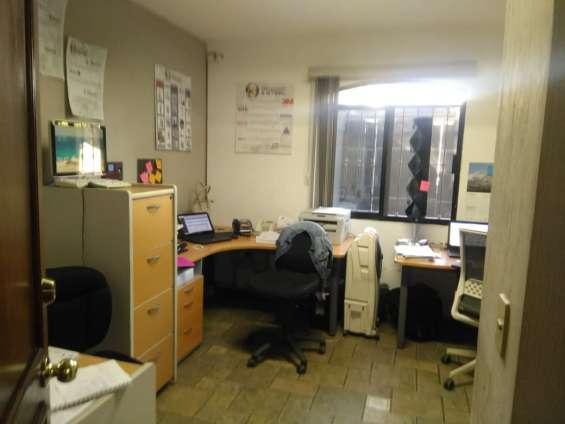 Fotos de Oficina cerca con vista a la cochera principal 5