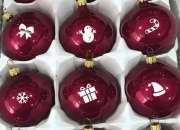 Personal para empacar esferas navideñas desde casa